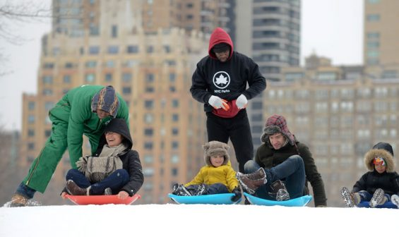 winter-jam-2014-sledding-2