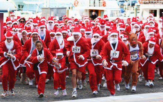 https://www.active.com/brooklyn-ny/running/distance-running-races/the-brooklyn-santa-suit-5k-run-and-pub-crawl-2017